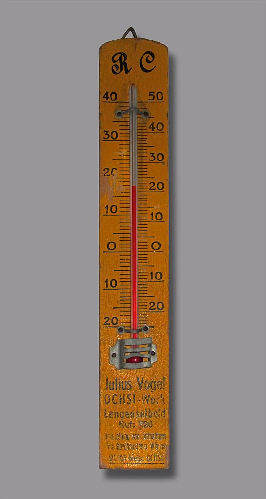 traditional thermometer- Rept0n1x, Old Réaumur scale thermometer - IMG 0983, CC BY-SA 3.0
